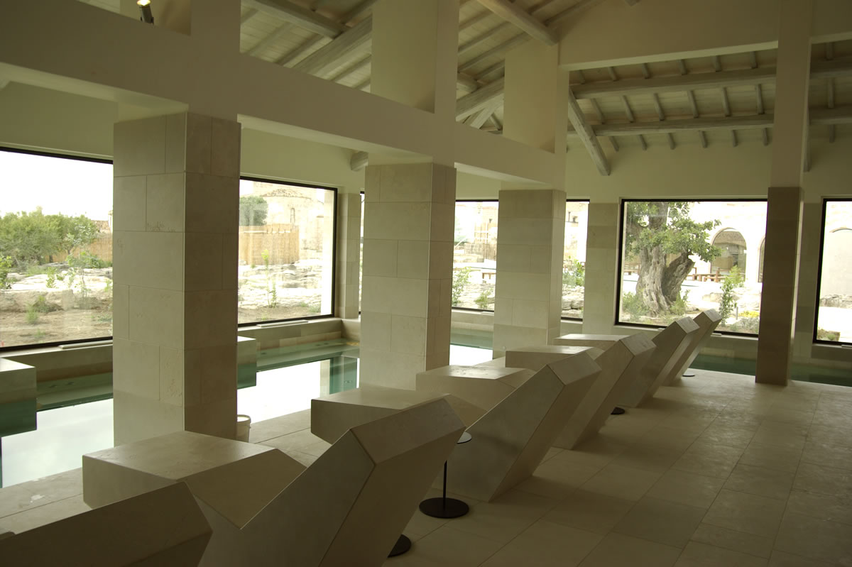 wellness-indoor-swimming-pool