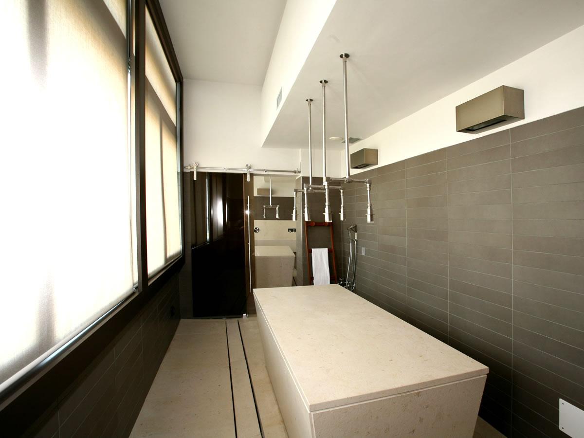 water-massage-room